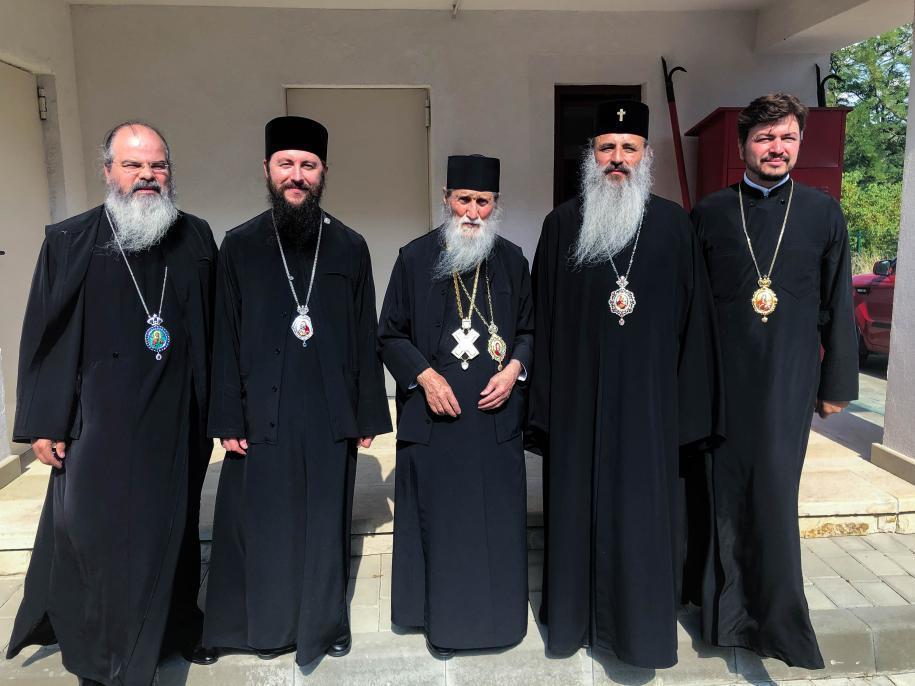 IPS Părinte Mitropolit Teofan l-a felicitat personal pe IPS Părinte Arhiepiscop Pimen
